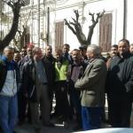 Mouvement de protestation des mandataires des fruits et légumes devant le siège de l'A.P.C. de Sidi Bel Abbes.