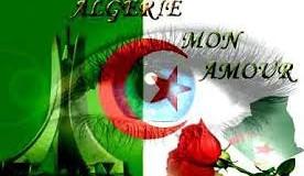 Fière d'être Algérien !  J'arbore le drapeau national sur mon balcon.