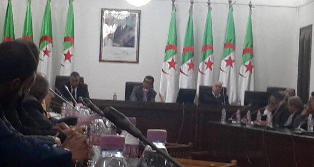 Le Wali dévoile les 4 vérités et les contraintes rencontrées  des opérateurs économiques et investisseurs activant au niveau de la zone industrielle  du chef lieu de Sidi Bel Abbés.