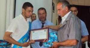 U.D.L  de Sidi  Bel Abbes. Émouvante cérémonie de remise des diplômes aux lauréats d'étudiants  de la faculté de droit.