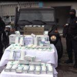 شرطة سيدي بلعباس تحجز أكثر من 3000 قفاز طبي معقم.
